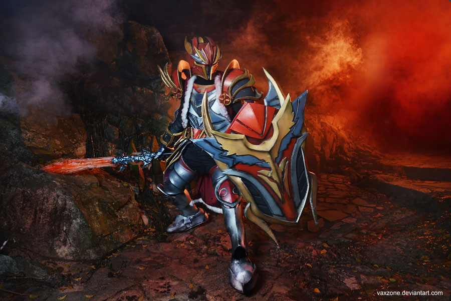 Dragon Knight Cosplay